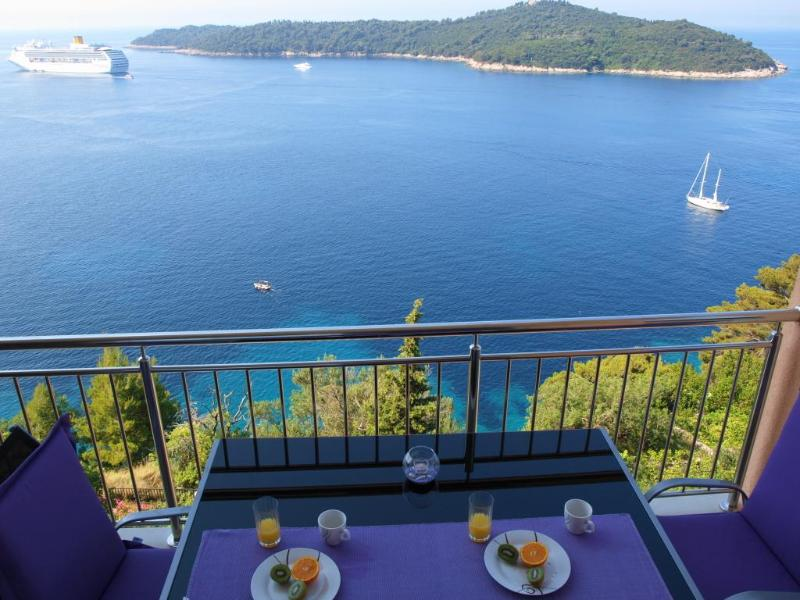 Enjoy breakfast while admiring the picturesque views! - 02 - Design 2BR with Balcony and Views to die for! - Dubrovnik - rentals