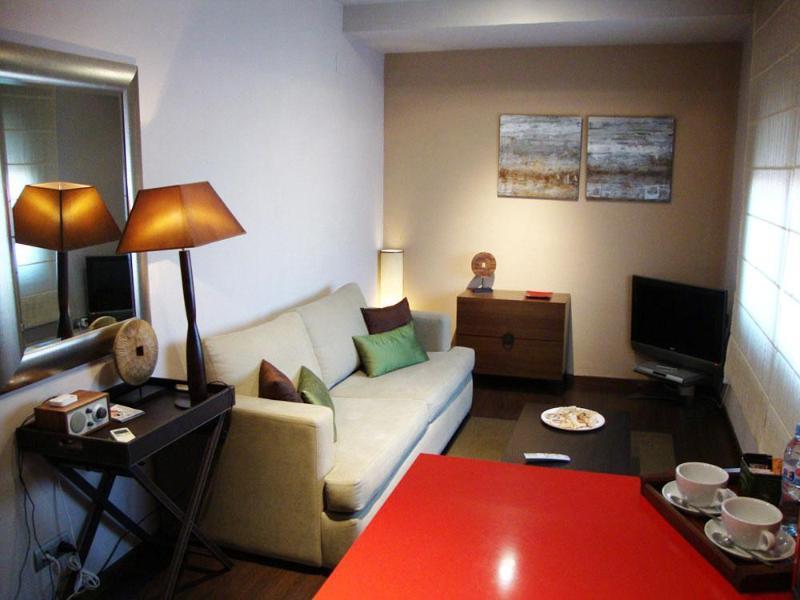 Apartment Top Ramblas - Wi-Fi - Image 1 - Barcelona - rentals