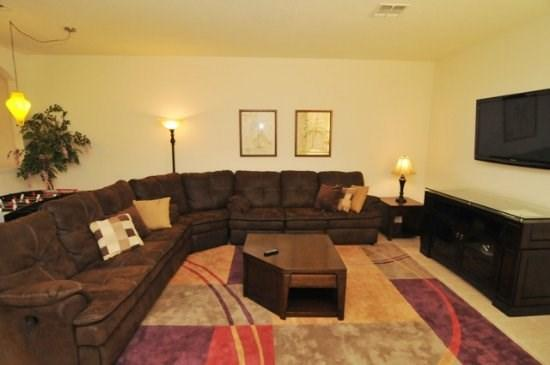 Great room with flat screen with WiFi - Luxurious Vacation Townhome only 2 Miles from Disney World - Kissimmee - rentals