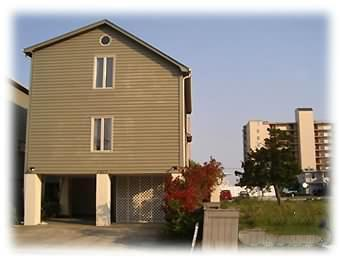 Classic Raised Beach House - Only 150 Steps to the Beach! Email for special dis - North Myrtle Beach - rentals
