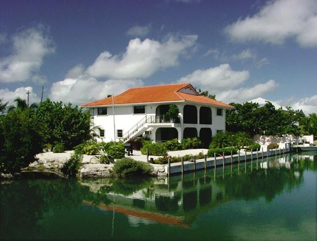 Island Living - Image 1 - Summerland Key - rentals