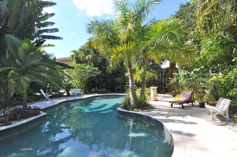 Luxury Beach Cotttage - Image 1 - Sarasota - rentals