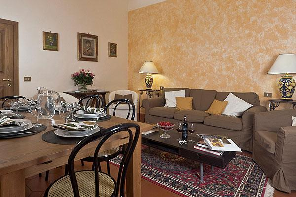 Elegant 4 Bedroom Vacation Apartment in Florence - Image 1 - Florence - rentals