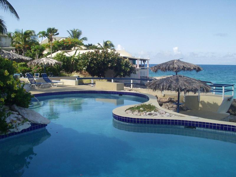 Tree Frog Villa - Oceanfront - 2 Bedrms & 2 Baths - Image 1 - Simpson Bay - rentals