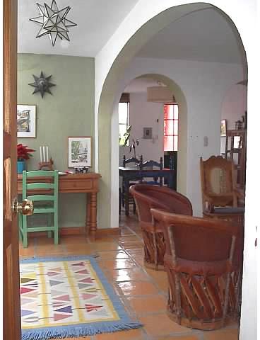 Entry way - Casa Roja, an artist's home - San Miguel de Allende - rentals