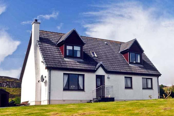CREAG BHAN, family friendly, with a garden in Suladale, Isle Of Skye, Ref 7032 - Image 1 - Suladale - rentals
