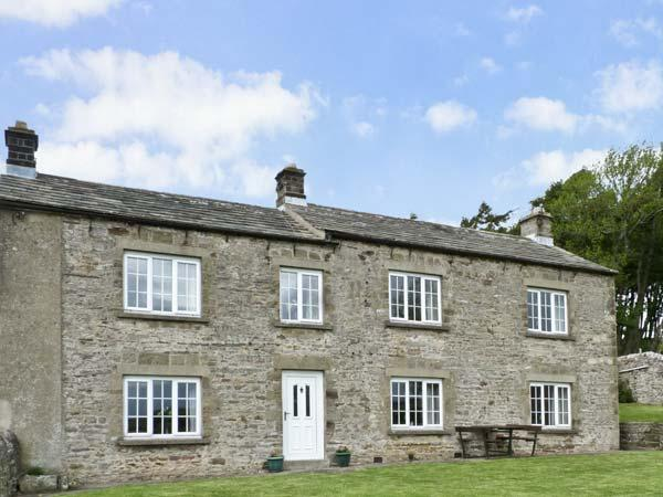 SUNNYSIDE COTTAGE, family friendly, character holiday cottage, with a garden in Leyburn, Ref 8082 - Image 1 - Leyburn - rentals