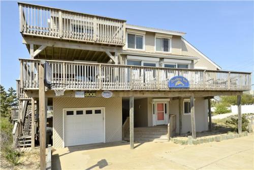 The Quarter Sea across the street has long been a favorite Sandbridge rental! - Quarters Sea - Virginia Beach - rentals