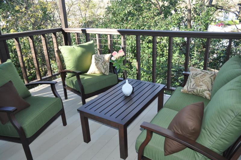 Yep, this balcony with view rocks :) - Don't miss The ATX House by Zilker w covered patio - Austin - rentals