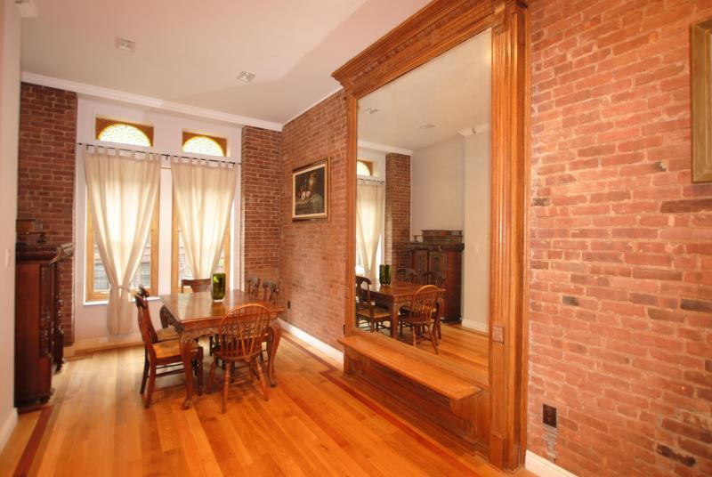 Dining Room - Amazing Garden Duplex, Historic Harlem - New York City - rentals