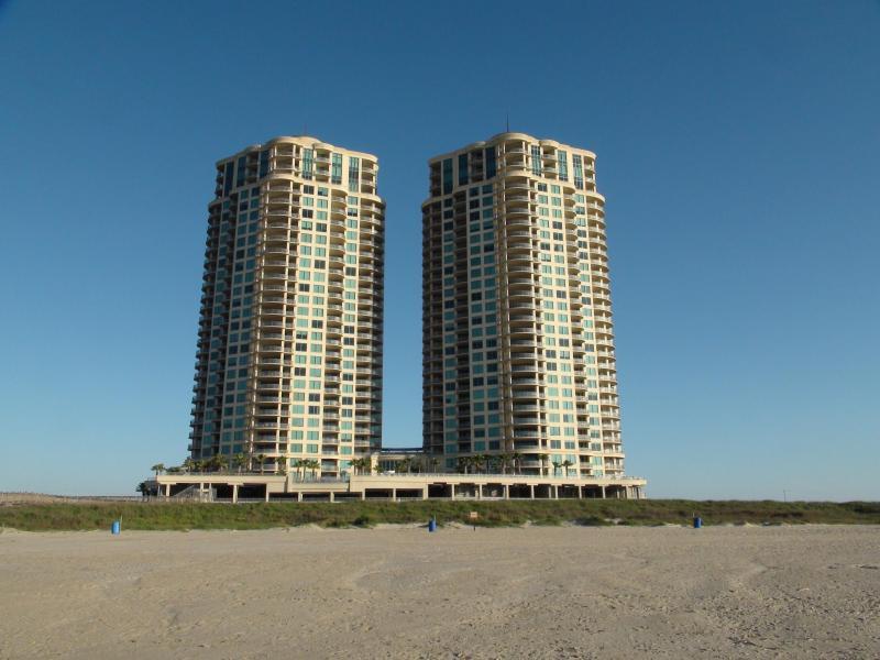Resort from the Beach...nice and quiet - Luxury  3 Bedroom 2.5 bath Condo  on beach - Galveston - rentals