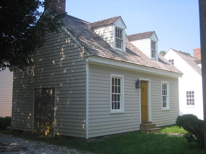 Front of Melson House on Locust St. - Location Location! St Michaels-- In Town Cottage! - Saint Michaels - rentals