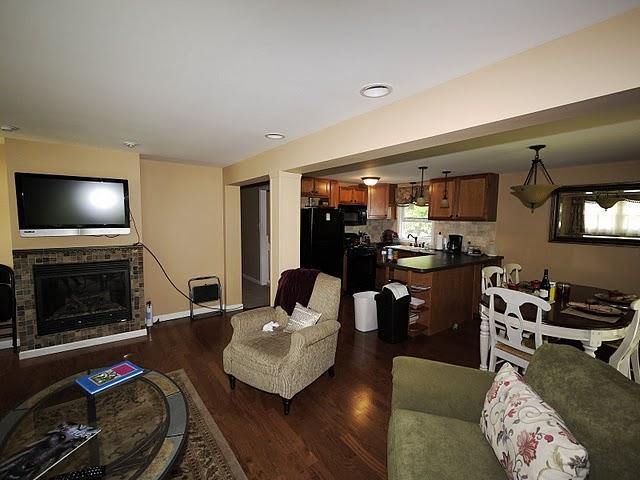 Upper living area and kitchen - Spacious country home in quiet wooded setting - Pocono Lake - rentals
