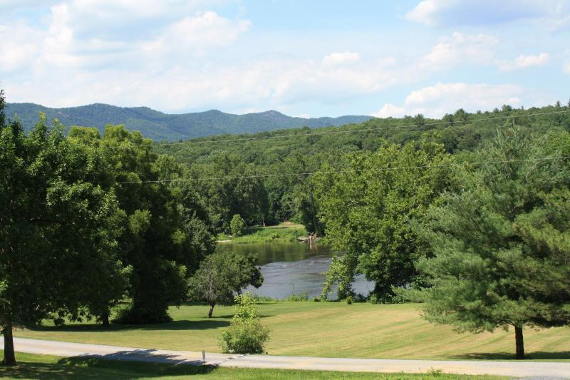 River and Mountain View! - A Bittersweet Retreat - Rileyville - rentals