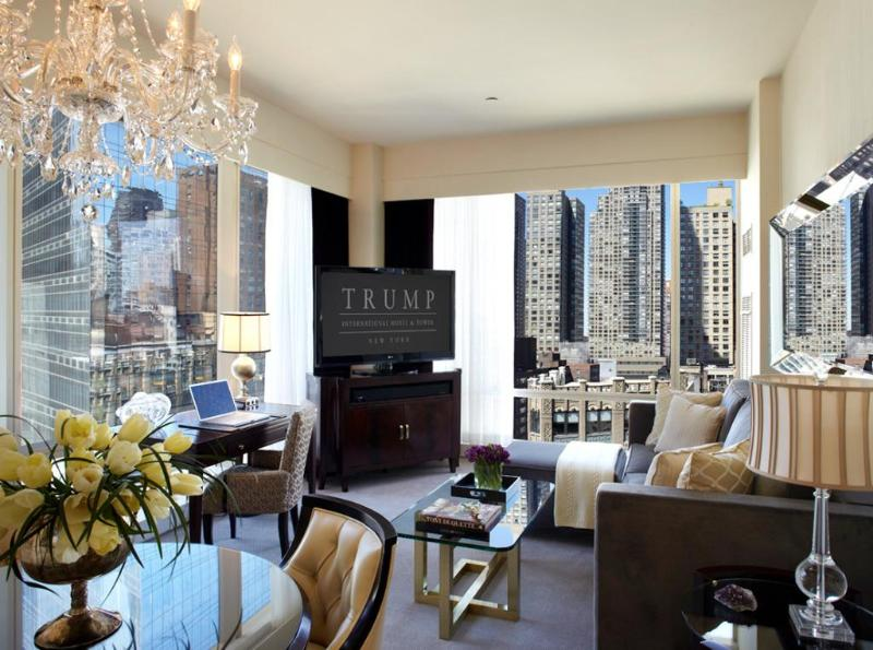 Opulent living spaces flooded with natural light - Luxury Apartment at the Trump Int'l Tower - New York City - rentals