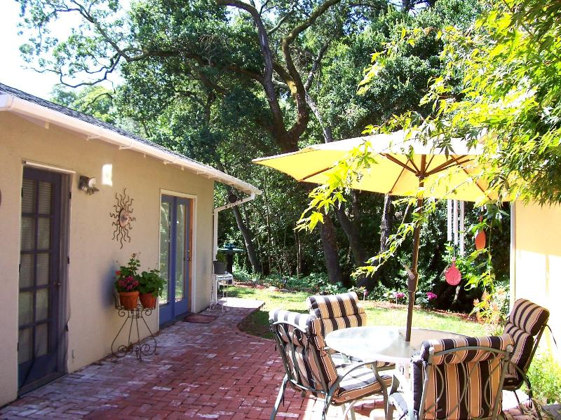 Studio Exterior from Courtyard Area - Charming Wine Country Creekside Studio/Hot Tub - Santa Rosa - rentals