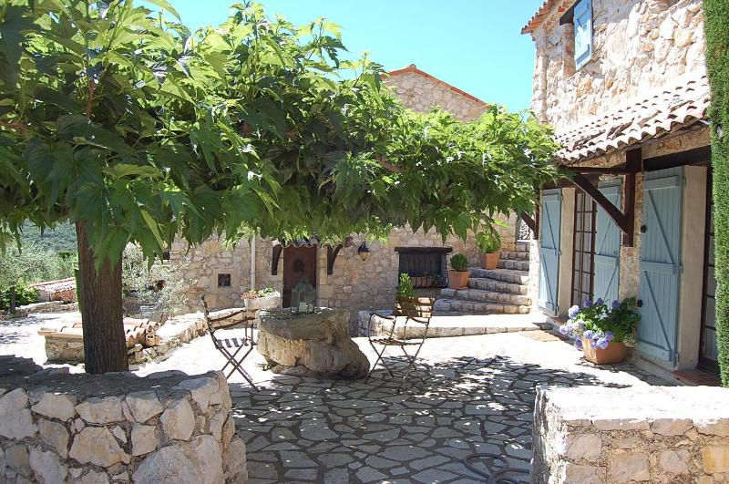 Terrace outside master bedroom - Stunning 1 Bedroom in Provencal Farmhouse, with a Pool - Mons - rentals