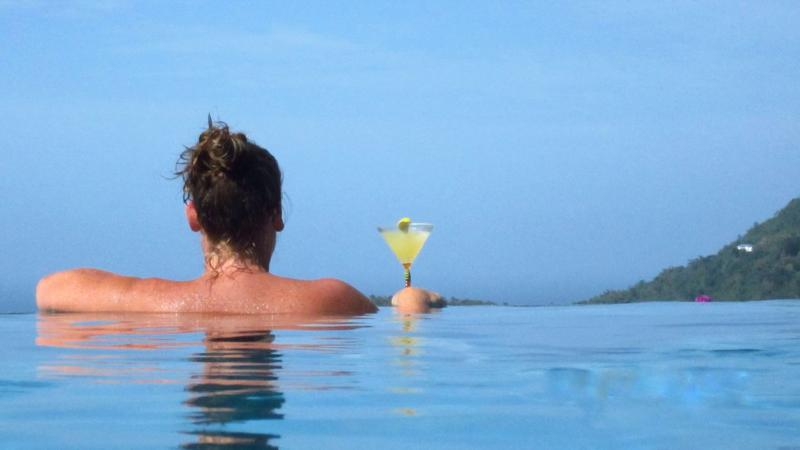 Relaxing in the Pool - Sundowner - Beautiful apartment with infinity pool - Moriah - rentals