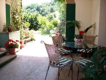outside breakfast area Archway - Casa Casali holiday appartment - Force - rentals