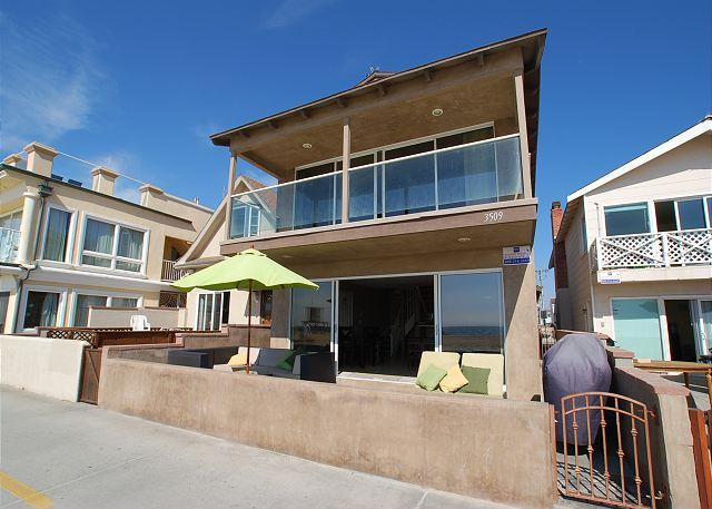 Huge 6 Bedroom Single Family Oceanfront Home! (68196) - Image 1 - Newport Beach - rentals