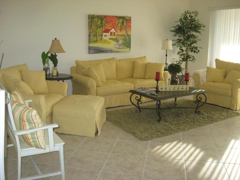 Colonial Country Club Wants You & You'll Love It! - Image 1 - Fort Myers - rentals