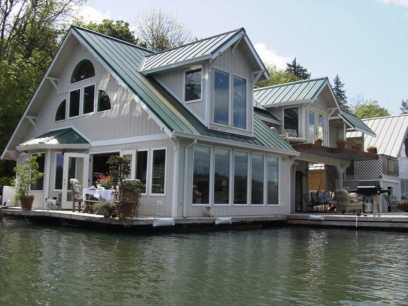 View from River - Floating Home Vacation Rental - Portland - rentals