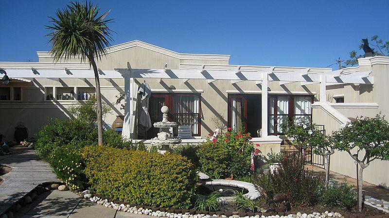 Front view of Cottage - Kaya La Provence, selfcatering unit and b&b suites - Constantia - rentals