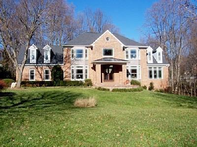House from Front - WASHINGTON DC/NORTHERN VA-LUX 7,000' HOME W/POOL - Vienna - rentals
