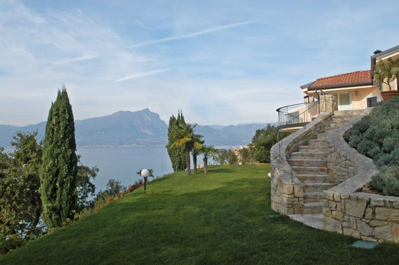 Lake Garda Villa near Town for Family and Friends  - Villa Torri - Image 1 - Torri del Benaco - rentals