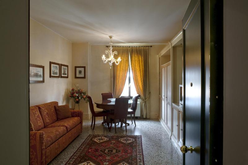 Venice Apartment Giudecca 1 Bedroom Apts Larg Bath - Image 1 - Venice - rentals