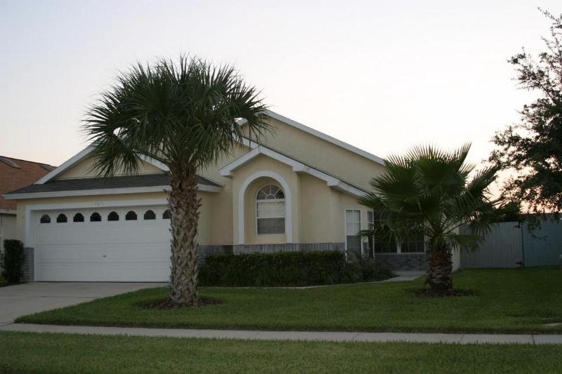 Popular Location - Really Close to Disney - HONEYPOT Villa 4bd 3bth 7 mn to Disney SW Prv Pool - Kissimmee - rentals