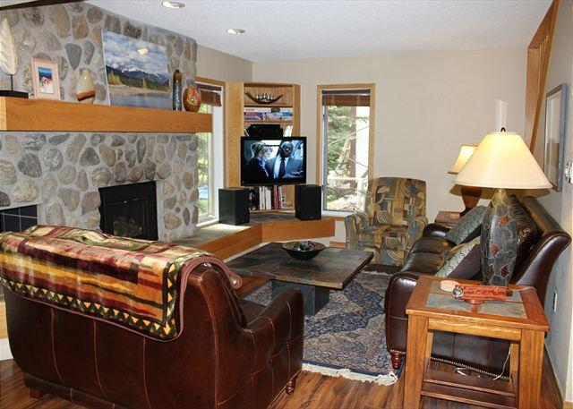 CC210 Super Condo w/ Wifi, Fireplace, Clubhouse, 2 Blocks Off Main St. - Image 1 - Frisco - rentals