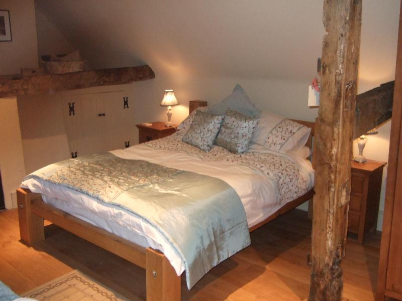 Double room located on the top floor with bath and ensuite - The Dutch House, only footsteps from York Minster! - York - rentals
