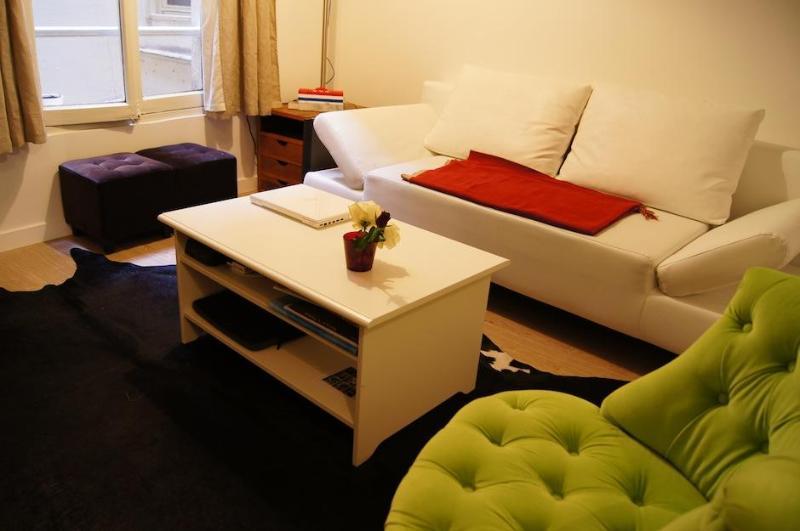Studio Archives - Hôtel de Ville - Marais Area - Image 1 - Paris - rentals