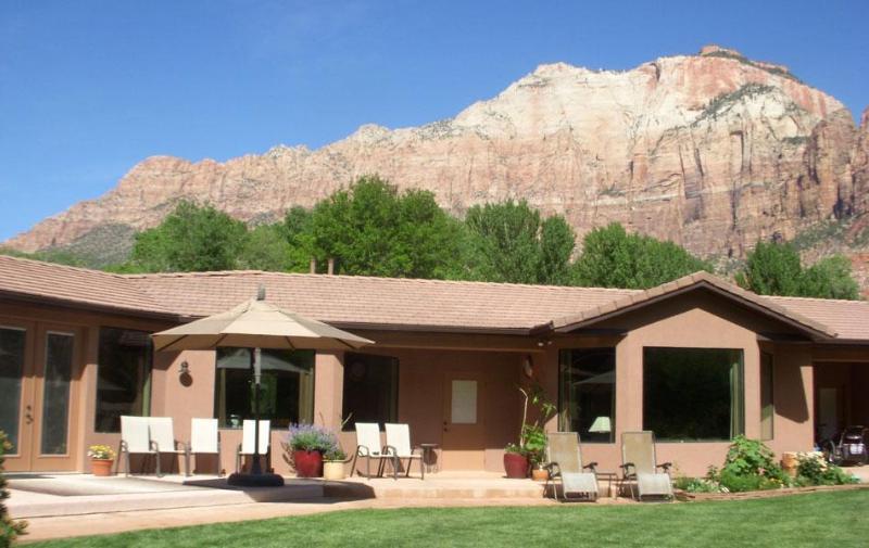 Patio Entrance - 4 Bdrm Vacation Home bordering Zion National Park - Springdale - rentals
