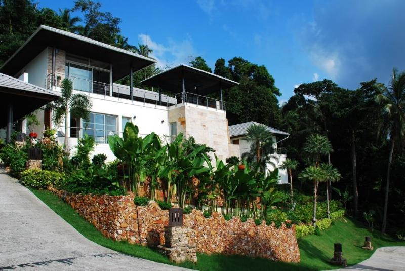 ElCid Villa - External View of Villa & Gardens - Luxury Villa stunning views - THB9999 not THB18500 - Koh Samui - rentals