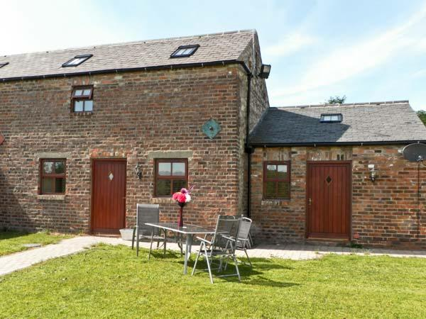 THE BYRE, family friendly, country holiday cottage, with a garden in Coxhoe, Ref 8019 - Image 1 - Coxhoe - rentals