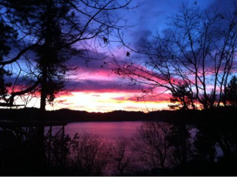 sunset view from deck - Memorial Deal!  LAKEFRONT CABIN-beach/JACUZZI11P - Lake Arrowhead - rentals
