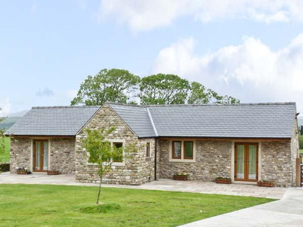 ROUTSTER COTTAGE, family friendly, luxury holiday cottage, with a garden in Settle, Ref 8393 - Image 1 - Settle - rentals