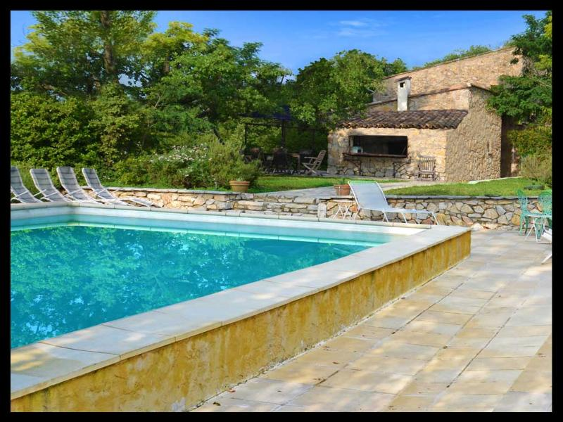 Welcome to Provence - Dream Villa with Pool, Fireplace, and is Pet-Friendly, Cotignac France - Cotignac - rentals