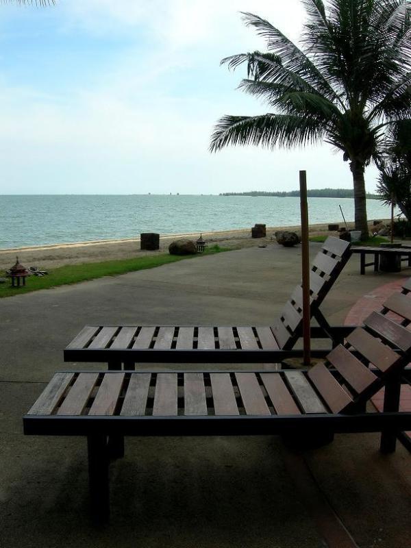 Private Beach Milford Condo Hua Hin - Pranburi - Image 1 - Pran Buri - rentals