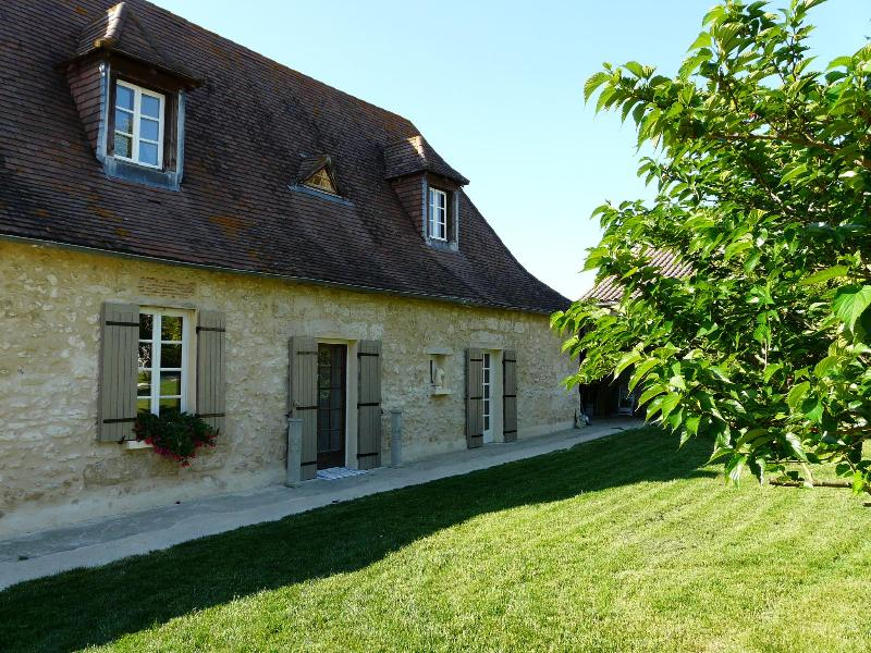Holiday rental  with private pool, Dordogne. - Image 1 - Razac-sur-l'Isle - rentals