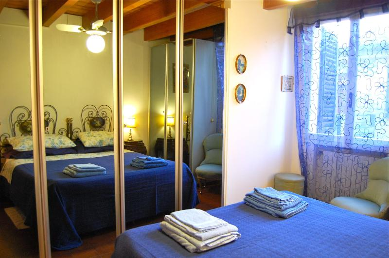Casatori - The bedroom - Casatori - Your home in Bologna, Italy - Bologna - rentals