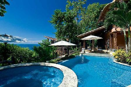 Casa Ramon offers a fusion of tropical and contemporary design, pool, alfresco gym & butler - Image 1 - Dominical - rentals