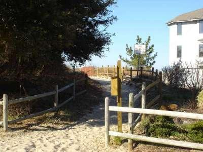 The Bay Breeze Cottage III at Lynnhaven Beach - Image 1 - Virginia Beach - rentals