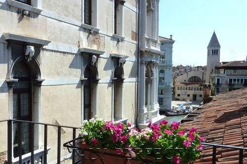 Perfect Venice Canal Views-Great Apartment-Balcony - Image 1 - Venice - rentals