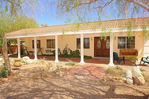 La Canada House Entry and Front Porch - House Vacation Rental with Private and Pool Patio Area in Tucson, Arizona - Gorgeous Hacienda Style 5BR/3BA, Pool, Mtn Views - Tucson - rentals