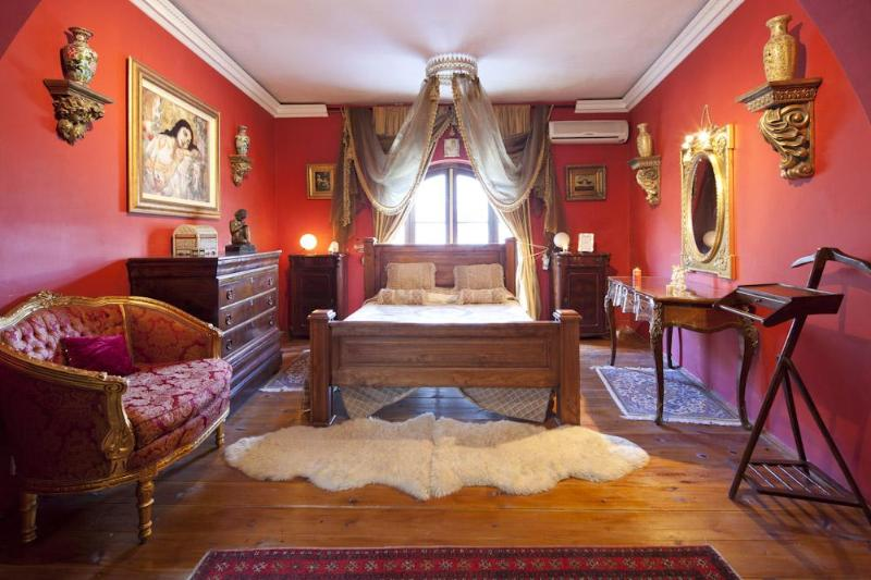 The La Valette Deluxe Suite with ensuite bathroom - knights in Malta Bed and Breakfast  B&B - Naxxar - rentals