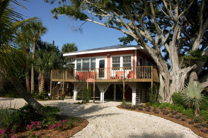 Victoria Cottage - Beautiful Fort Myers Beach Cottage - Fort Myers Beach - rentals
