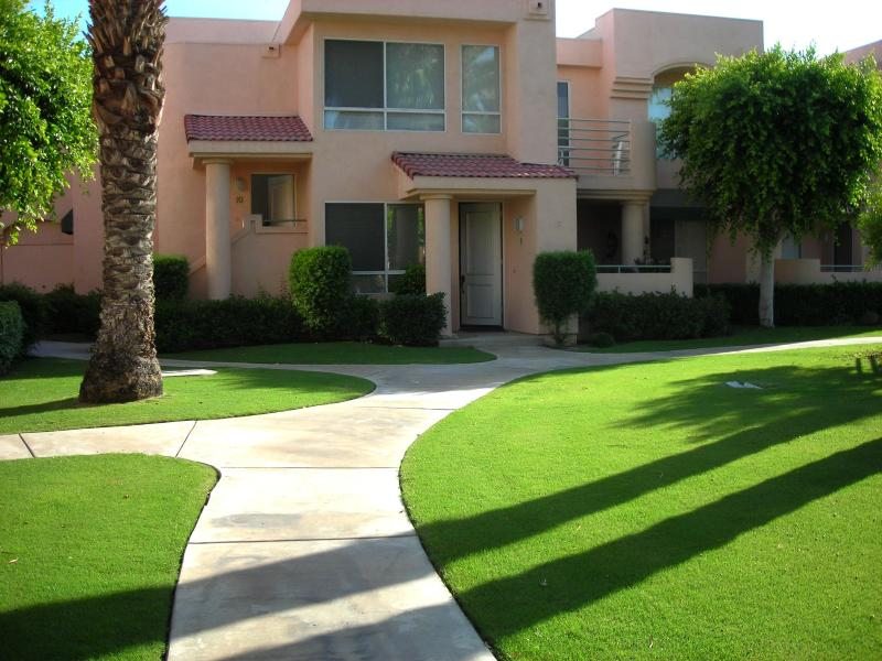Front of Condo - LaPalme Condo in Palm Springs - Palm Springs - rentals
